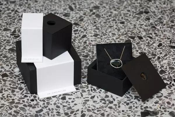 handmade jewelry packaging