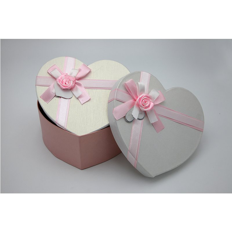 heart shape sweet paper packaging