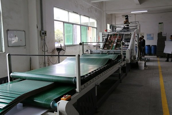 paper mounting machine for corrugated paper box